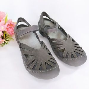 J Sport by Jambu Poppy Gray Walking Sandals Size 9